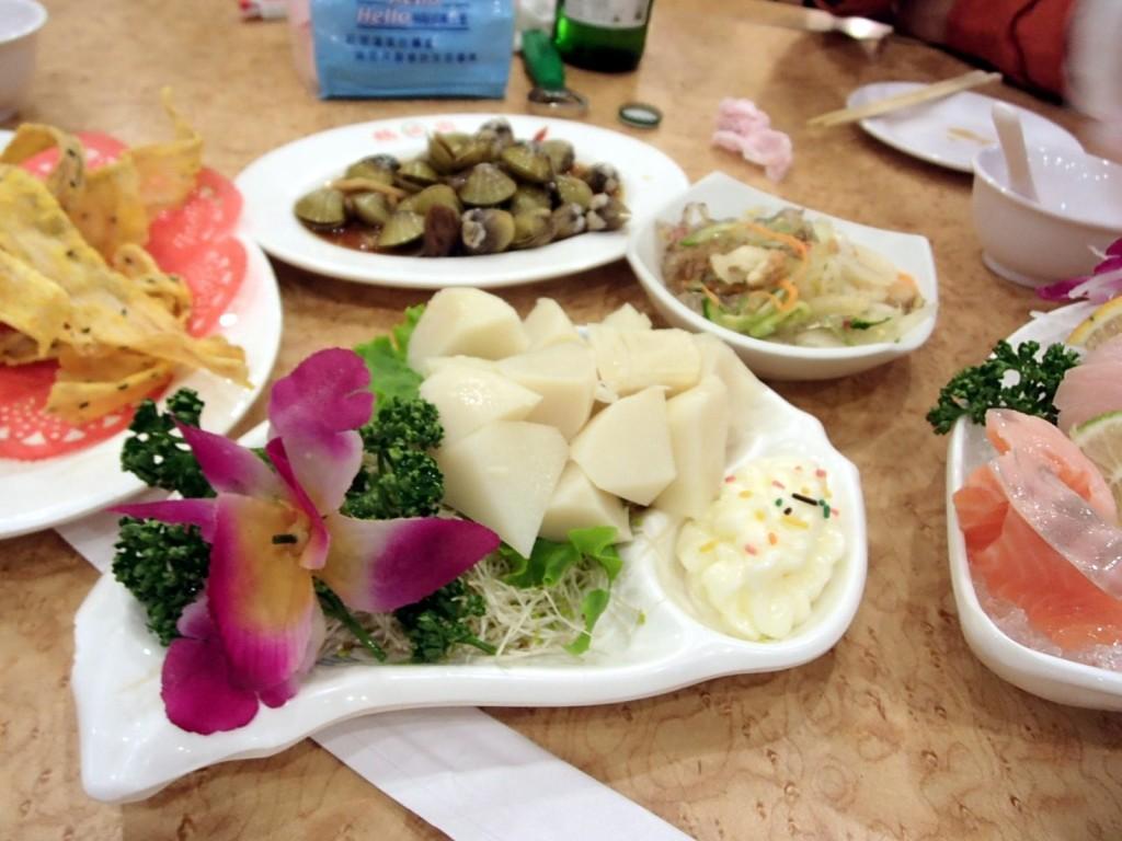鵝肉城活海鮮タケノコサラダ