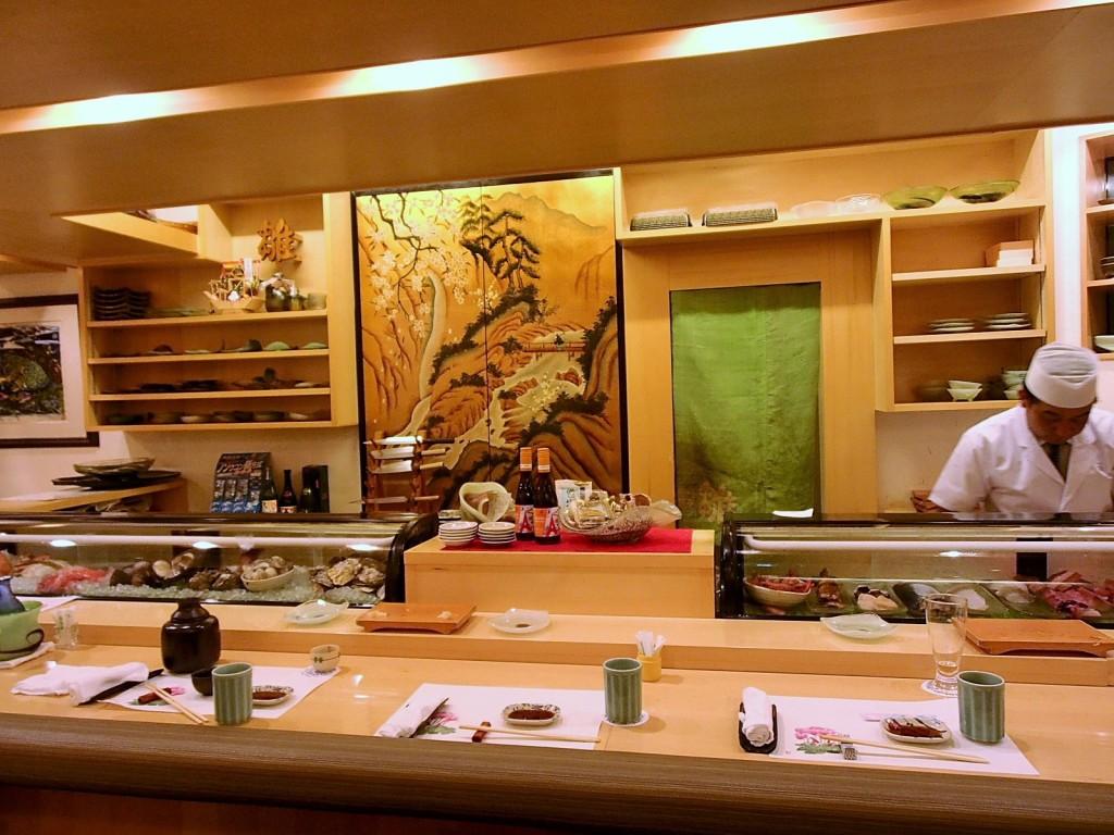 寿司割烹雛店内