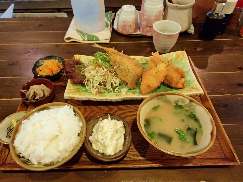 【那覇市 石嶺食堂】沖縄らしい味と雰囲気の食堂でランチ!