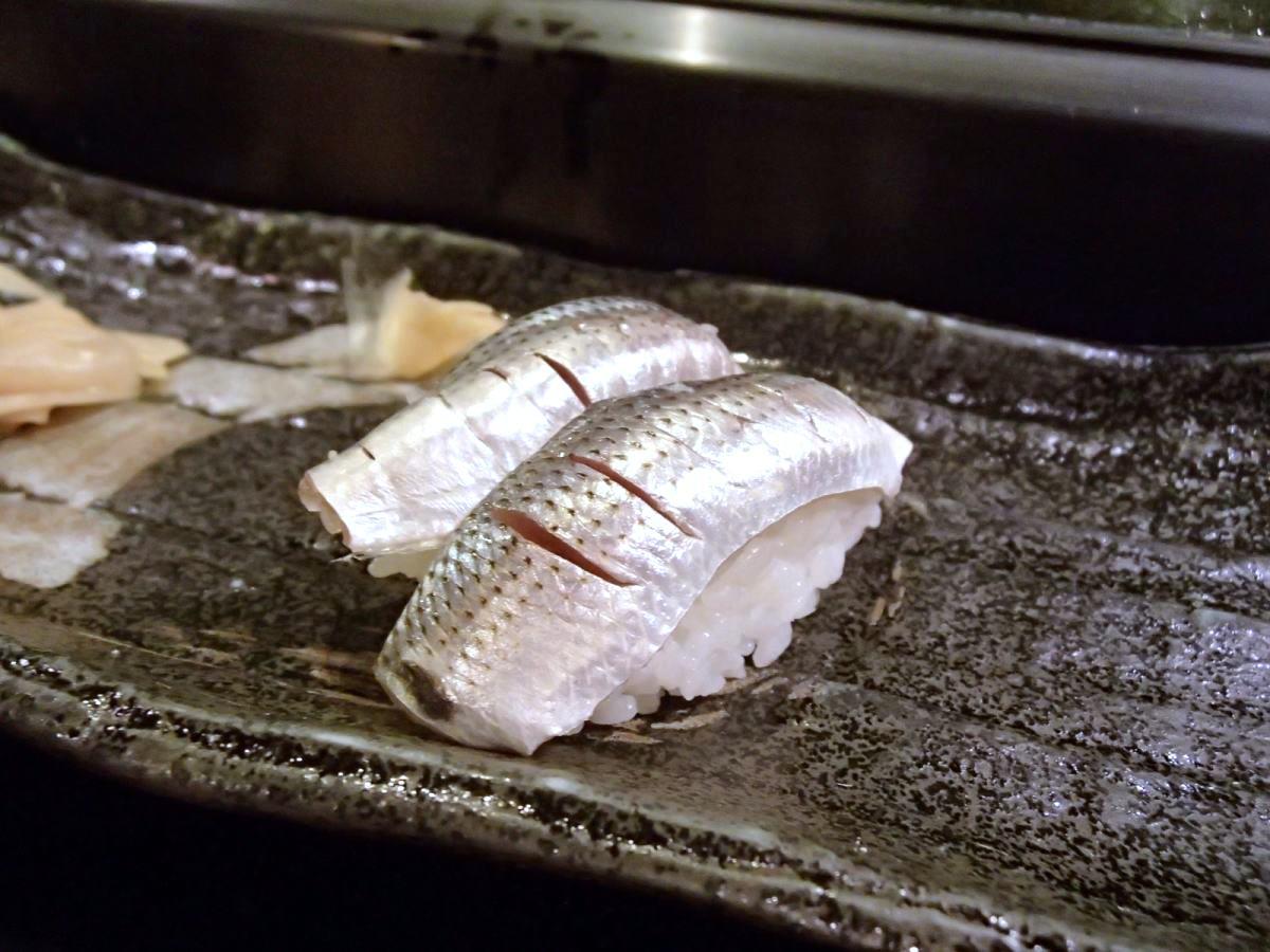 【那覇市 次郎長若狭店】ネタ自慢!本物のお寿司と泡盛をお手軽に!