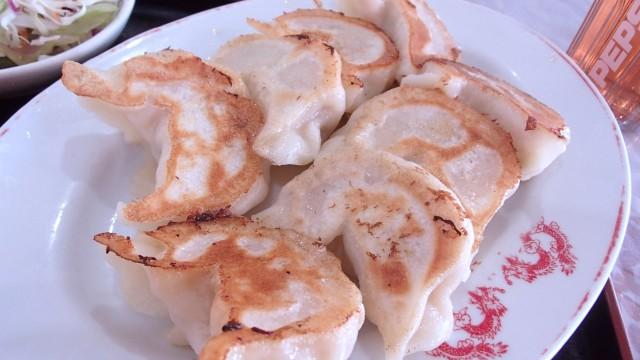 漢謝園の焼餃子1