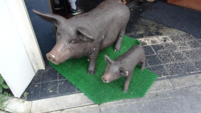 我那覇豚肉店入口