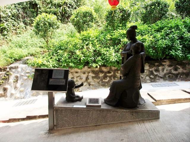 金剛宮の石像3