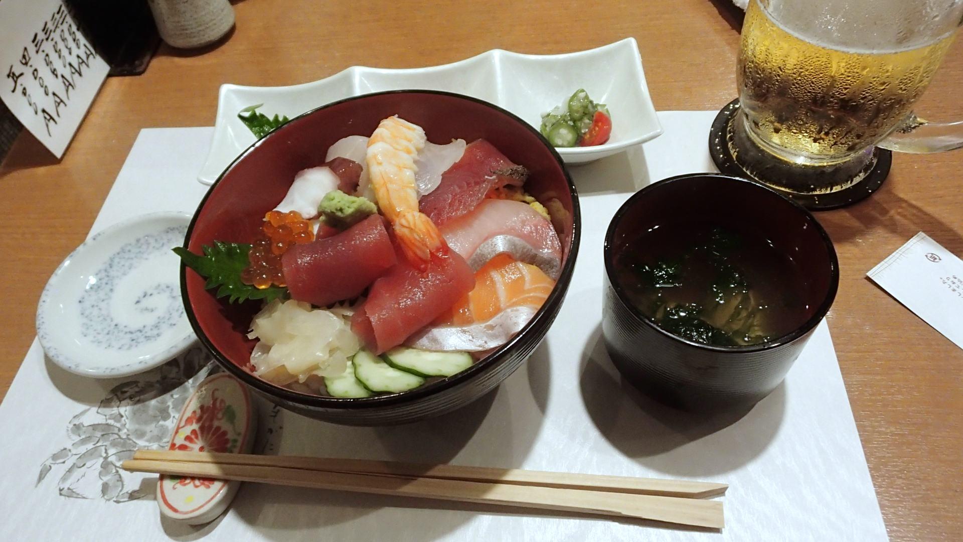 【那覇市 すしハウス】丼メニューも豊富で安い!新鮮なネタの格安お寿司をどうぞ!