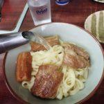 【名護市 八重食堂】スープの量はお好みで!裏通りの沖縄そば屋は平麺がウマかった!